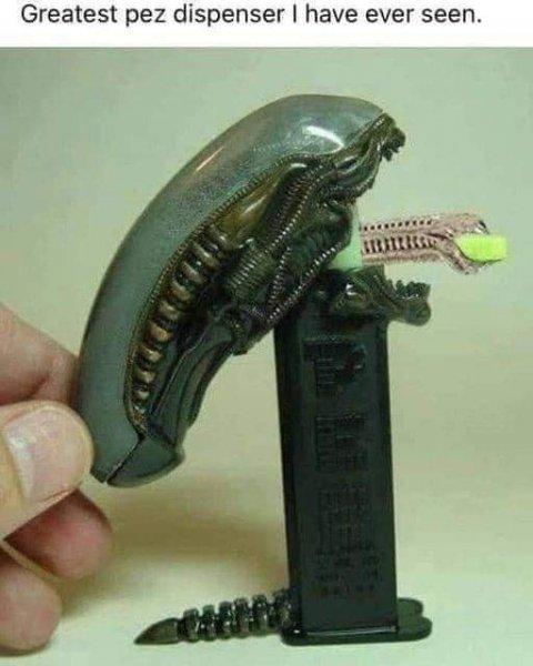 aliens pez dispenser.jpg